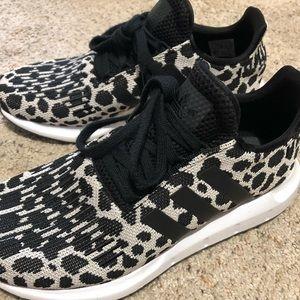 Leopard adidas